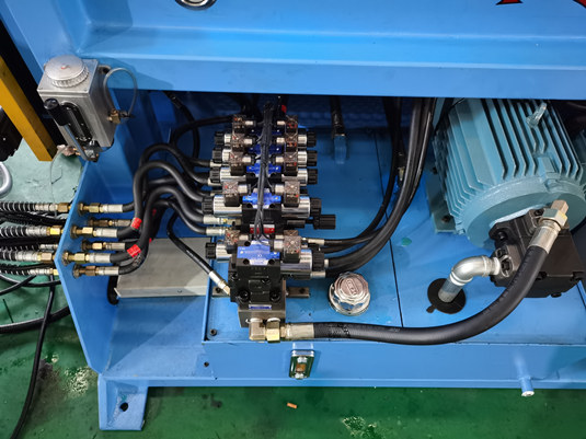 数控弯管机液压系统